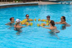 Conseils sportifs: bien choisir ses équipements pour l'aquagym